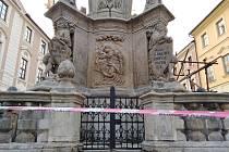 Morový sloup v Šultysově ulici v Kutné Hoře těsně před dokončením rekonstrukce.