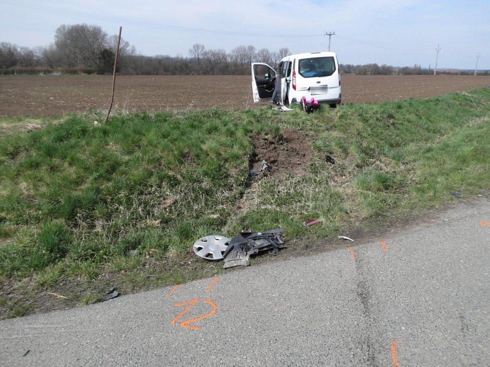 Dopravní nehoda na čtyřramenné křižovatce v lokalitě zvané Čáslav - Vrcha.
