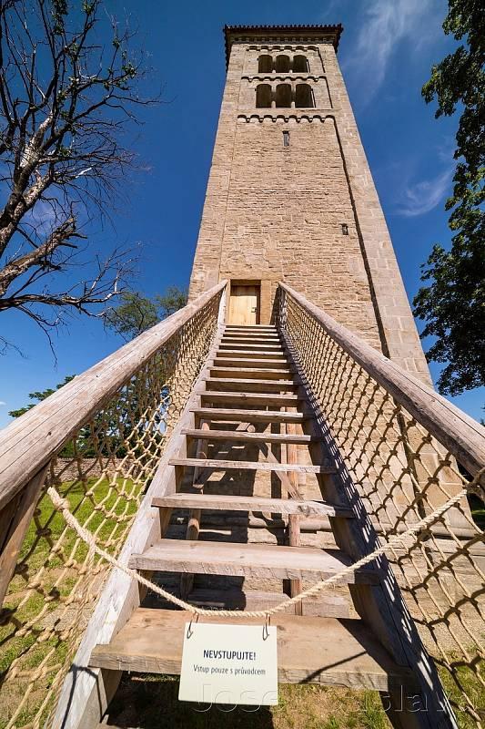 Kostel sv. Jakuba v Církvici zahájí turistickou sezonu dobrovolným vstupným, zvoněním zvonů a troubením z věže.