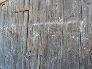 Nápis na stodole v Semtěši