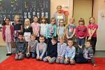 První ročník Základní škola Malešov s třídní učitelkou Janou Hájkovou.