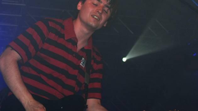 Kutnohorská kapela Rybičky 48 vystoupila na festivalu Rock For People v Hradci Králové.