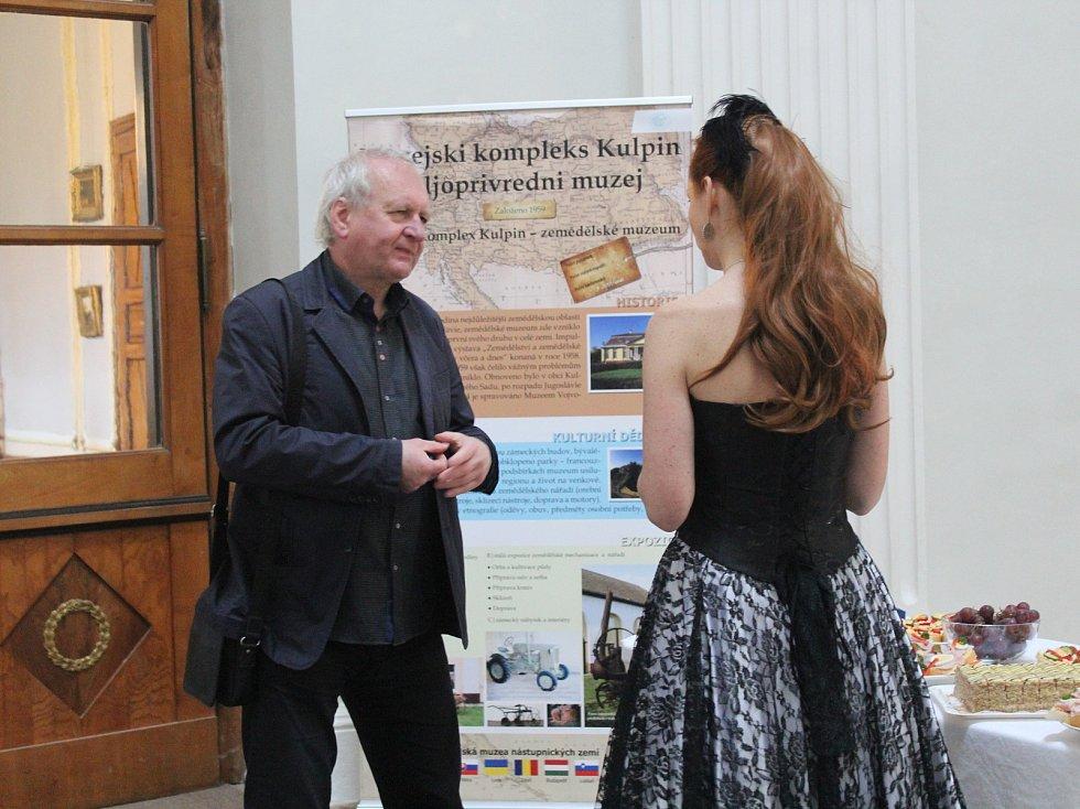 Na Kačině slavnostně zahájili letošní výstavy