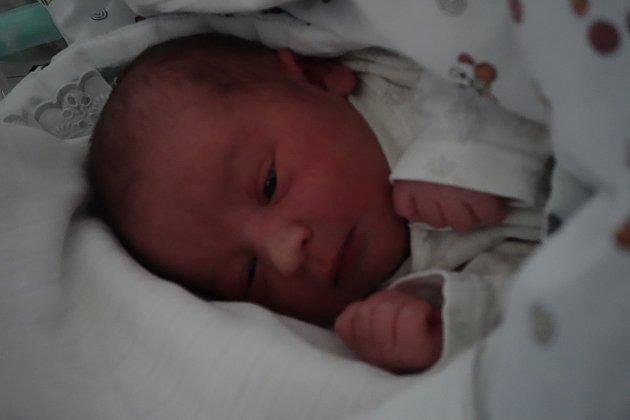 JAKUB MIKULA se narodil 1.ledna 2019v1.47.Měřil 50centimetrů, vážil 3400gramů. Srodiči Ditou a Michalem bude žít vČáslavi.