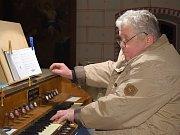 Podvečer patřil v bohdanečském kostele hudbě