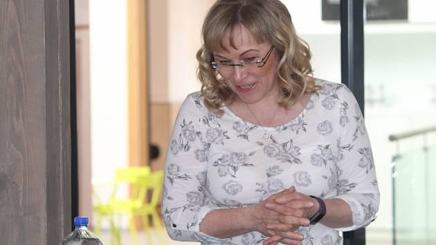 Jana Všetičková přednášela o tom, jak moc je jídlo důležité pro náš zdravotní stav a co všechno se jím dá ovlivnit.