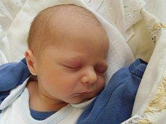 Martin Šolar se narodil 5. září  v Čáslavi. Vážil 3000 gramů a měřil 49 centimetrů. Doma ve Starém Kolíně ho přivítali maminka Iva, tatínek Vladimír a sestra Petra.