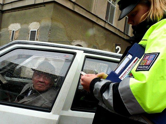 Pozor na řidiče v klobouku!