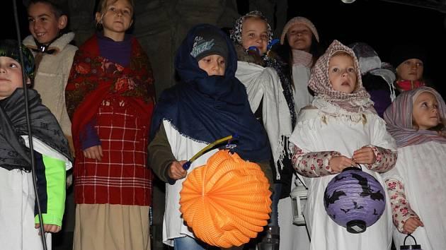 Svatomartinský průvod prošel centrem Čáslavi.