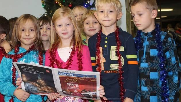V Kutné Hoře se koledy zpívaly na Základní škole Jana Palacha.