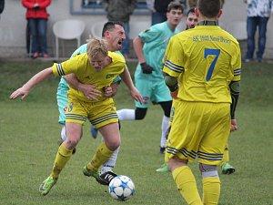 Třinácté kolo fotbalového okresního přeboru: SK 1933 ČUS Nové Dvory - TJ Sokol Červené Janovice 5:1 (2:0).