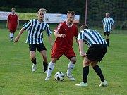 Zápas 4. kola okresního fotbalového přeboru mezi Malešovem a Kutnou Horou B (2:4).