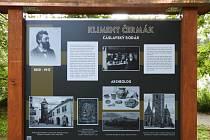 V parku u Podměstského rybníku nainstalovali informační panel připomínající život Klimenta Čermáka.