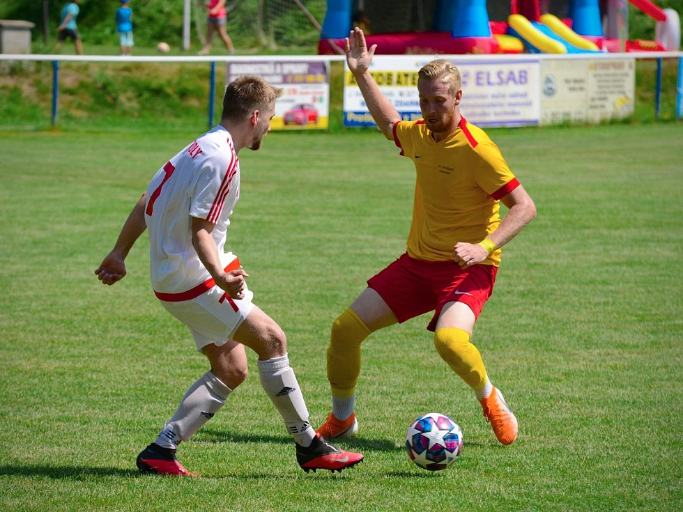 Finále Poháru OFS Kutná Hora vyhrály Uhlířské Janovice 3:1 nad Tupadly, 27. června 2021.