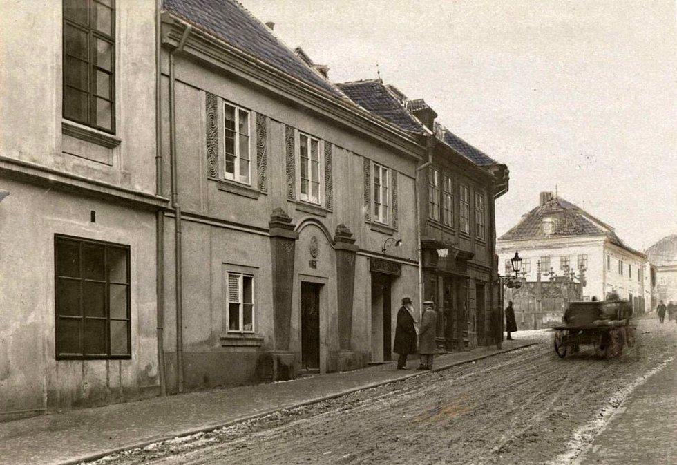 Husova ulice v Kutné Hoře.