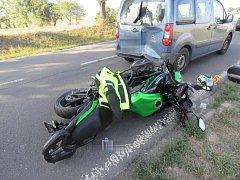Dva motorkáři bourali na silnicích v okrese.