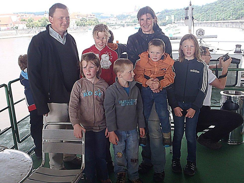 Jana Šustková s rodinou