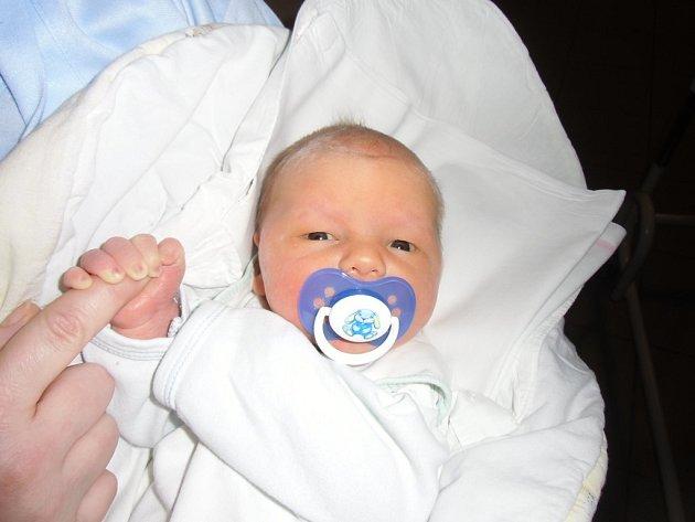 Jakub Fryč se narodil 25. února v Čáslavi. Vážil 4050 gramů a měřil 53 centimetrů. Doma ve Zbraslavicích ho přivítali maminka Hana,tatínek Milan a bratr Vojtěch.