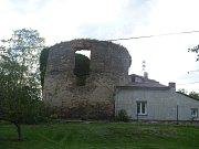 V obcí Štrampouch stojí větrný mlýn holandského typu.