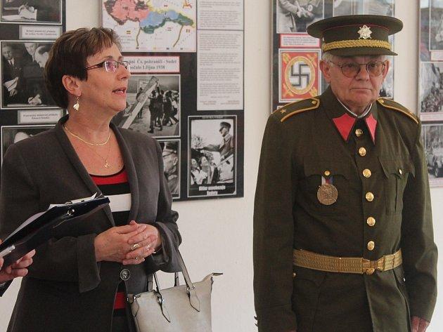 Vernisáž výstavy Od Mnichova ke svobodě v Sankturinovském domě