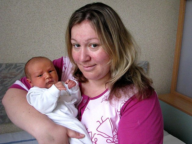 Matěj Ovsjanikov se narodil 4. května v Čáslavi. Vážil 3 780 gramů a měřil 51 centimetrů. Doma v Čáslavi ho přivítají maminka Veronika Brániková a tatínek Josef Ovsjanikov.