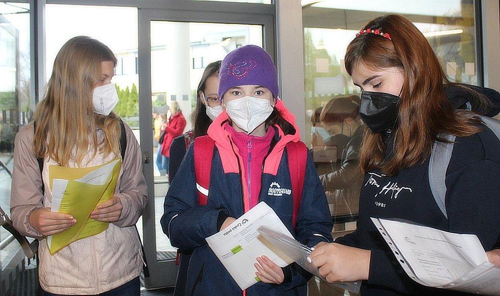 Na Gymnáziu Jiřího Ortena v Kutné Hoře se v prvním květnovém týdnu konaly přijímací zkoušky. Do lavic se také vrátili primáni a sekundáni.