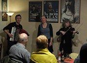 Skupina Jauvajs zahrála v Blues Café.
