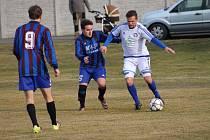 Tupadly prohrály na přírodním hřišti v Hlízově s domácím týmem 0:5.