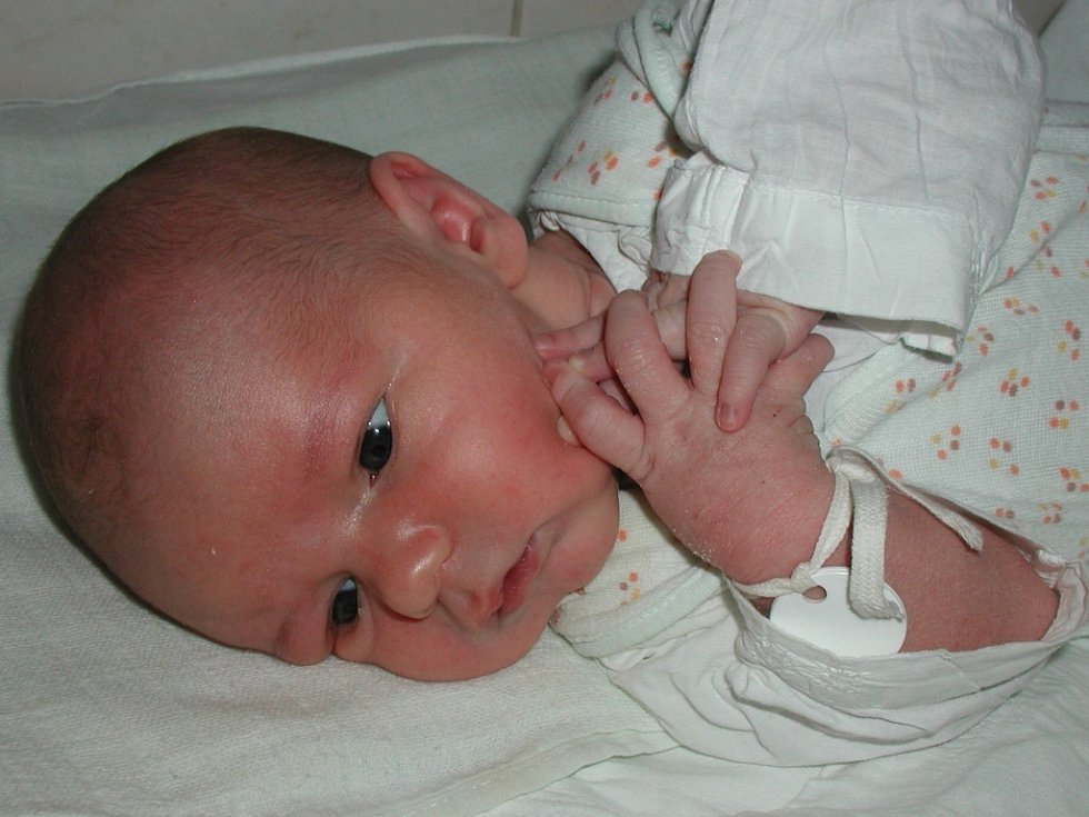 Martin Zralý se narodil 31. října v Čáslavi. Vážil  3450 gramů a měřil 50 centimetrů. Doma v Třeboníně ho přivítají rodiče Veronika a Martin.