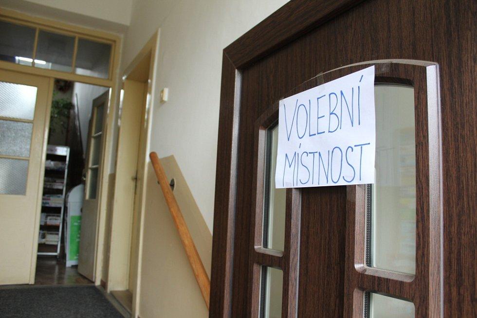 Druhý den voleb do poslanecké sněmovny - Bečváry