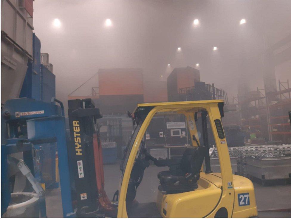 Z požáru speciálního lisu v čáslavské slévárně Ljunghall 19. prosince 2020.