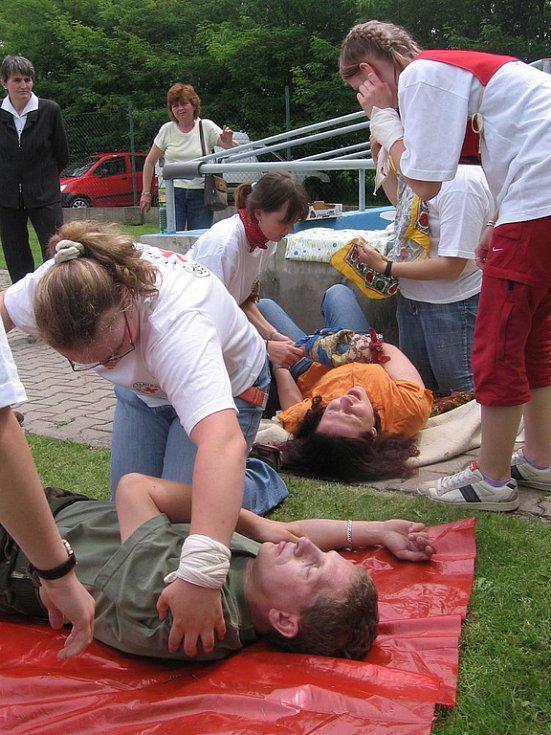 Krajské kolo hlídek mladých zdravotníků v areálu Hasičského záchranného sboru v Kutné Hoře.