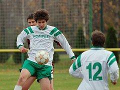 Fotbal, Okresní přebor: Paběnice - Malín 2:1, sobota 14. listopadu 2009