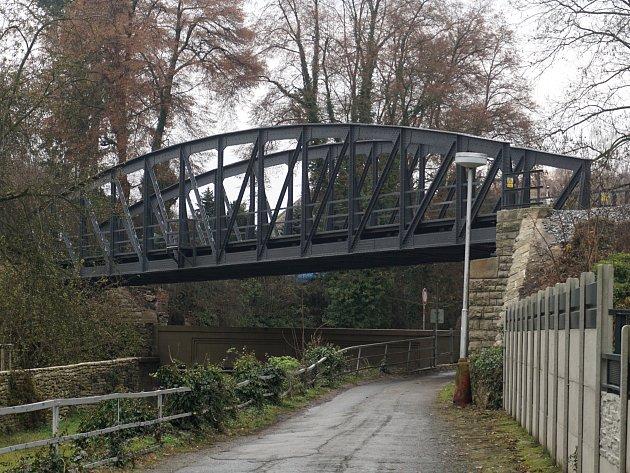 Železniční most u parku pod Vlašským dvorem