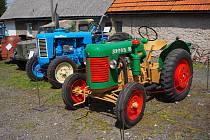 Historické traktory dorazily do Kralic. Foto: Vladimír Trmal