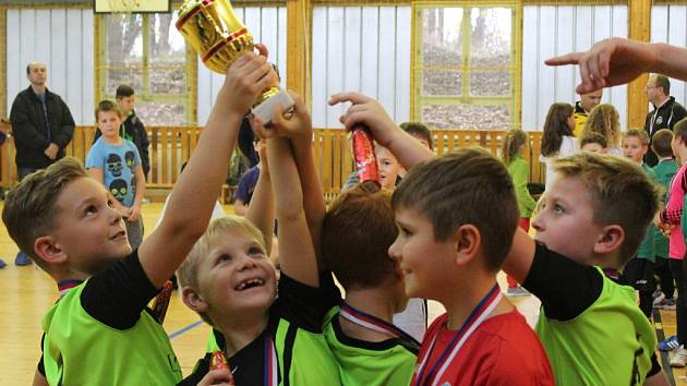 Z halového turnaje Okresního fotbalového svazu v Kutné Hoře pro mladší přípravky.