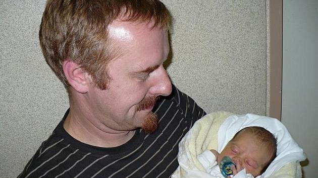 Alžběta Justová se narodila 24. září v Čáslavi. Vážila 2900 gramů a měřila 48 centimetrů. Doma v Kutné Hoře ji přivítali maminka Karolína, tatínek Jiří a bratr Jáchym.