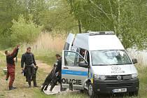 Policejní pátrání po ztraceném seniorovi z Chotusic u nedalekého 'písáku'.