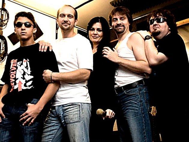 Kutnohorská kapela Nerushit v nahrávacím studiu.