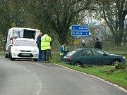 Dopravní nehoda na silnici II/327 mezi obcemi Nové Dvory a Svatá Kateřina.