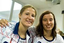 Aneta Hladíková (vlevo) a Romana Labounková, české bikrosové olympioničky.