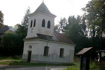 Dominantou malé vesničky Bludov je kaple sv. Jana Nepomuckého.