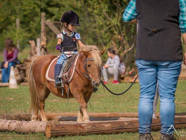 Dětské závody vExtreme trailu na ranči ve Vinařích.