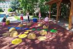 Multifunkční hřiště na zahradě Mateřské školy 'U Sluníčka' v Kutné Hoře.