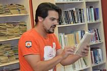 Listování s knihou Život k sežrání v Kutné Hoře