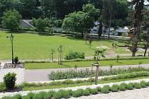 Park pod Vlašským dvorem by se mohl otevřít veřejnosti.