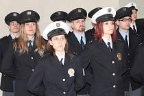 Policisté slavnostně složili služební slib v refektáři GASKu 21. února 2014.