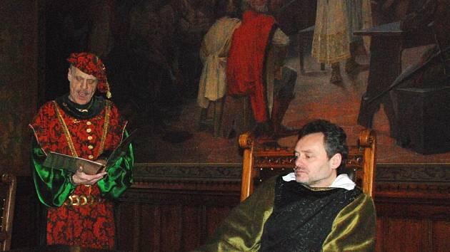 Ve Vlašském dvoře se po šesti stech letech opět podepisoval Dekret kutnohorský.