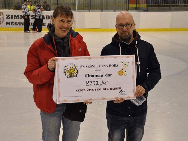 Kutnohorský hokejový klub Sršni Kutná Hora udělal při zápase hezké gesto.