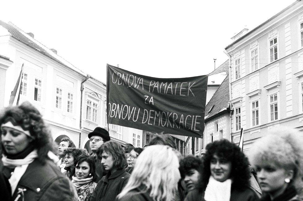 Sametová revoluce v Kutné Hoře na podzim roku 1989.
